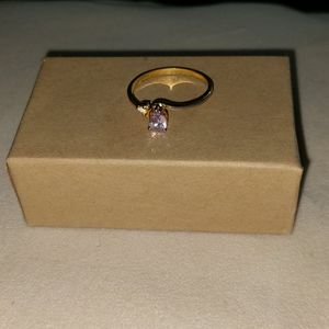 Jewelry - Goldtone pale purple glass fashion ring